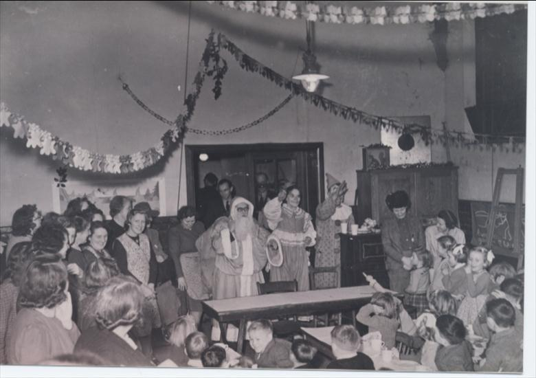 Photograph. Christmas Party, Manor Road Infant school. (North Walsham Archive).