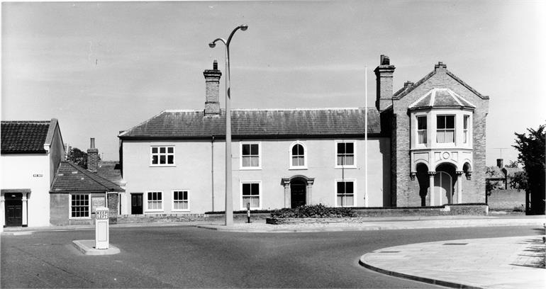 Photograph. Council Offices, Cedar House, Yarmouth Road c1960. (North Walsham Archive).