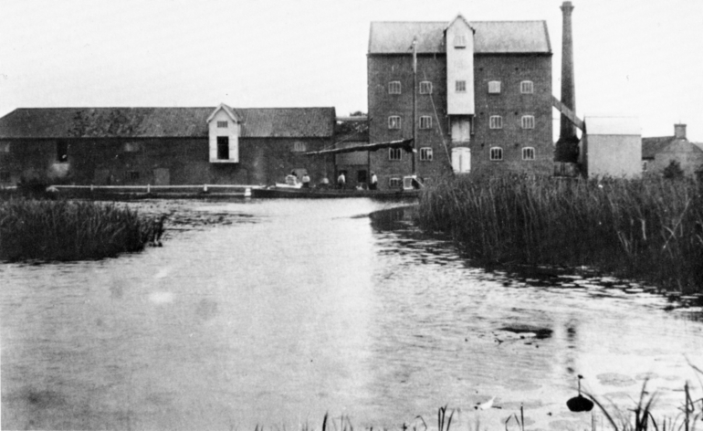 Photograph. Ebridge Mill 1930 (North Walsham Archive).