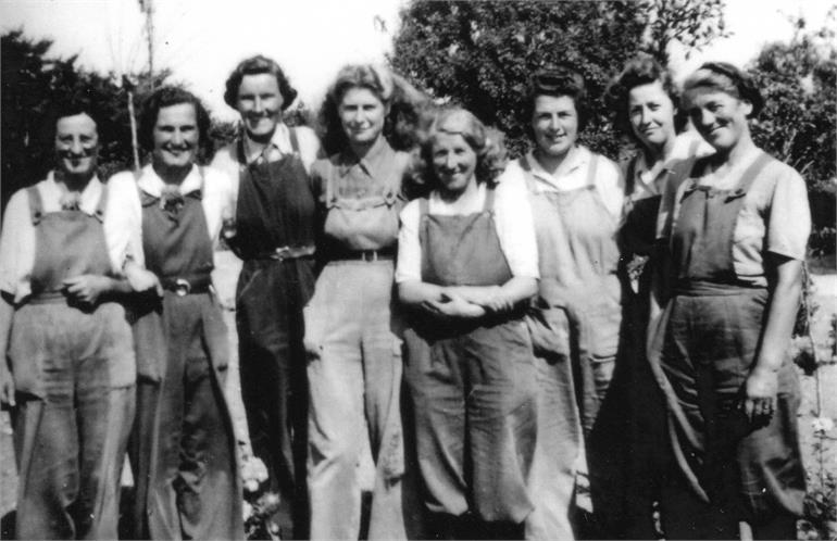 Photograph. Land Army Girls at Meeting Hill. Bella Fuller is 4th from the left. (North Walsham Archive).