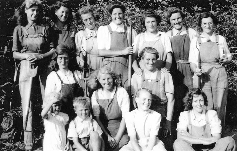 Photograph. Land Army Girls at Meeting Hill. Bella Fuller is on the left of the back row. (North Walsham Archive).