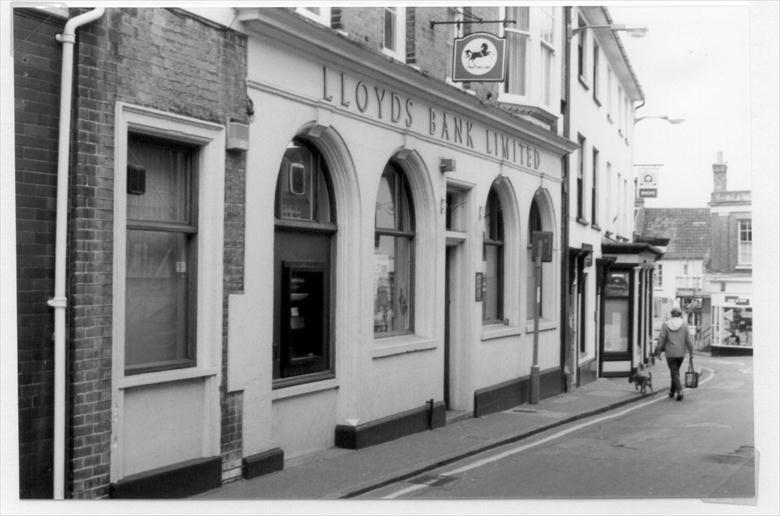 Photograph. Lloyds Bank, Kings Arms Street, North Walsham. The branch closed on November 9th 1998 and the business joined TSB on the Market Place. (North Walsham Archive).