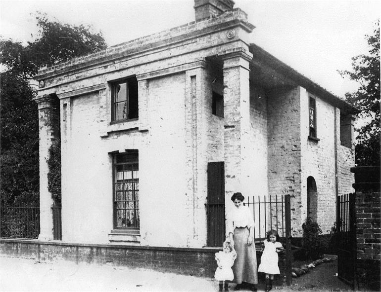 Photograph. Oaks Lodge, Yarmouth Road, North Walsham (North Walsham Archive).
