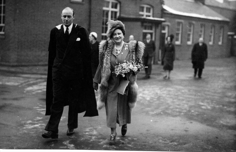 Photograph. Queen Elizabeth touring Paston School (North Walsham Archive).