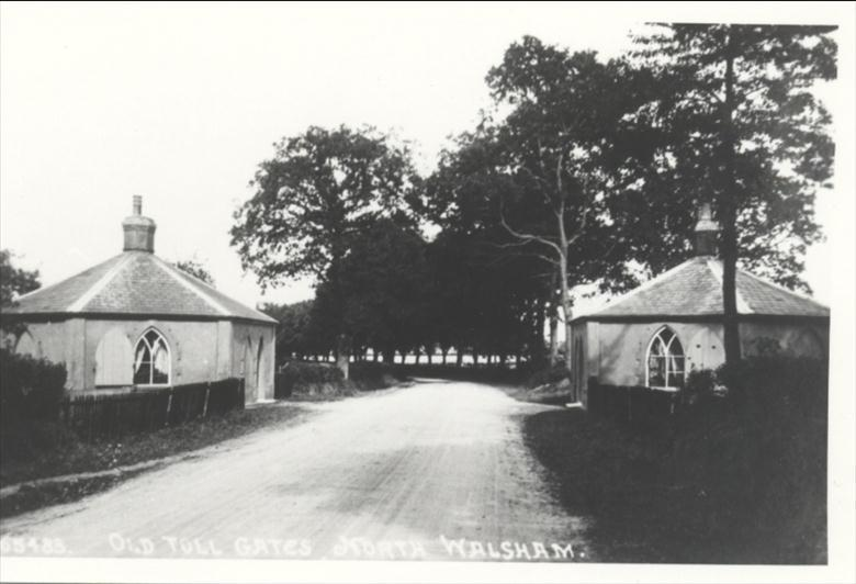Photograph. Toll Gate Cottages, Norwich Road. (North Walsham Archive).